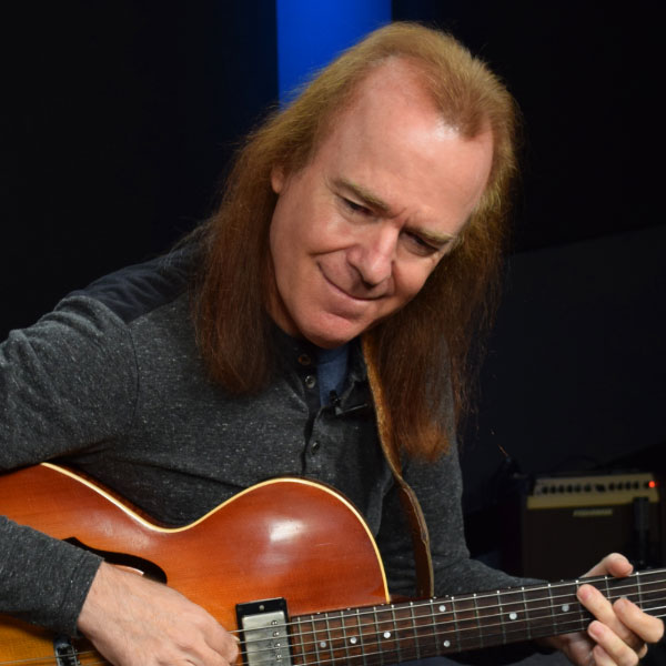 David Becker is a Guitareo Instructor