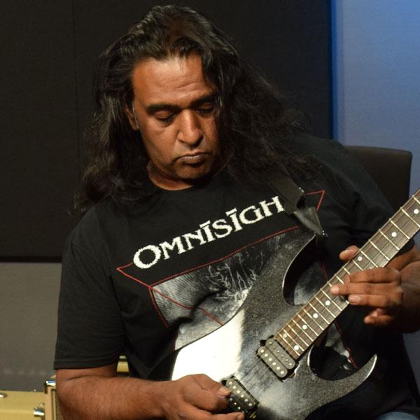 Raj Krishna is a Guitareo Instructor